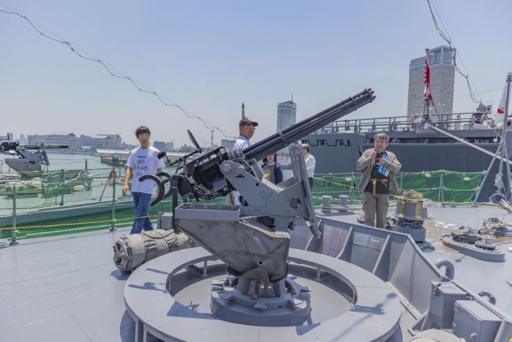 掃海艇つのしまバルカン砲