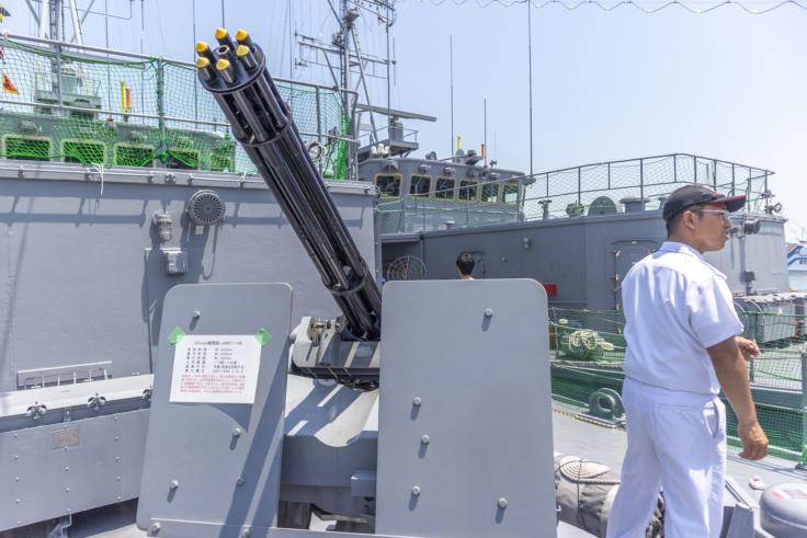 掃海艇つのしまバルカン砲2