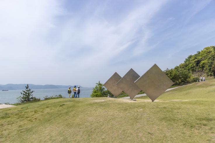 「三枚の正方形」ジョージ・リッキー2