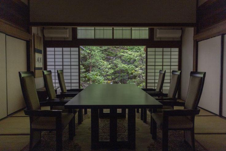 南禅寺テーブル