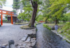 上賀茂神社三の鳥居とならの小川