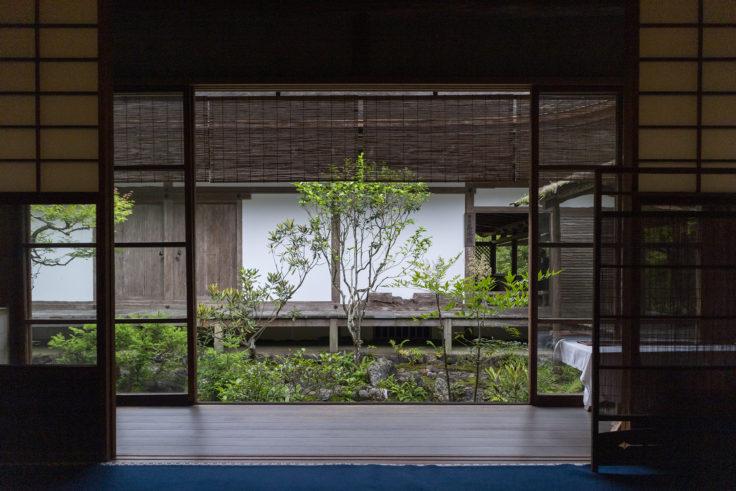 高山寺書院から見た庭