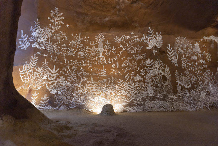 「言葉としての洞窟壁画と、鯨が酸素に生まれ変わる物語」共同制作