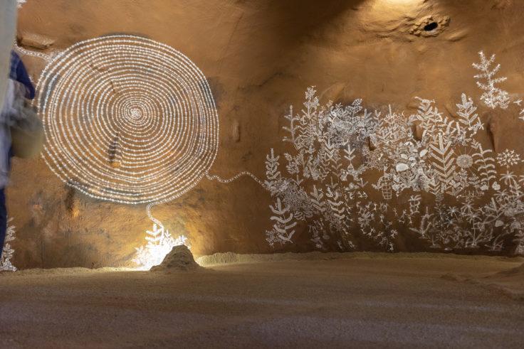 「言葉としての洞窟壁画と、鯨が酸素に生まれ変わる物語」共同制作3