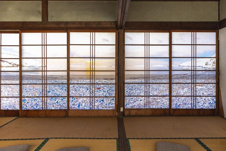 「過去と現在の山にのぼり、銀未来の海をながめる」鹿田義彦2階2