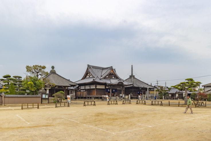 長尾寺境内