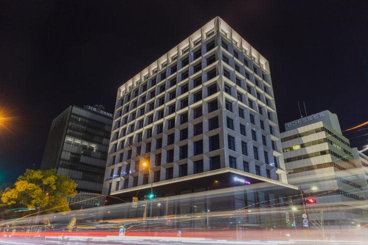 夜の香川銀行本店