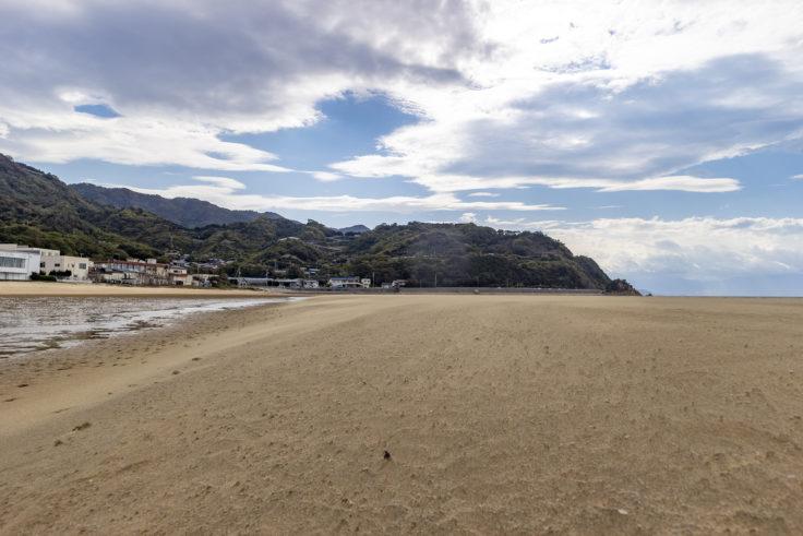 父母ヶ浜の飛んでくる砂