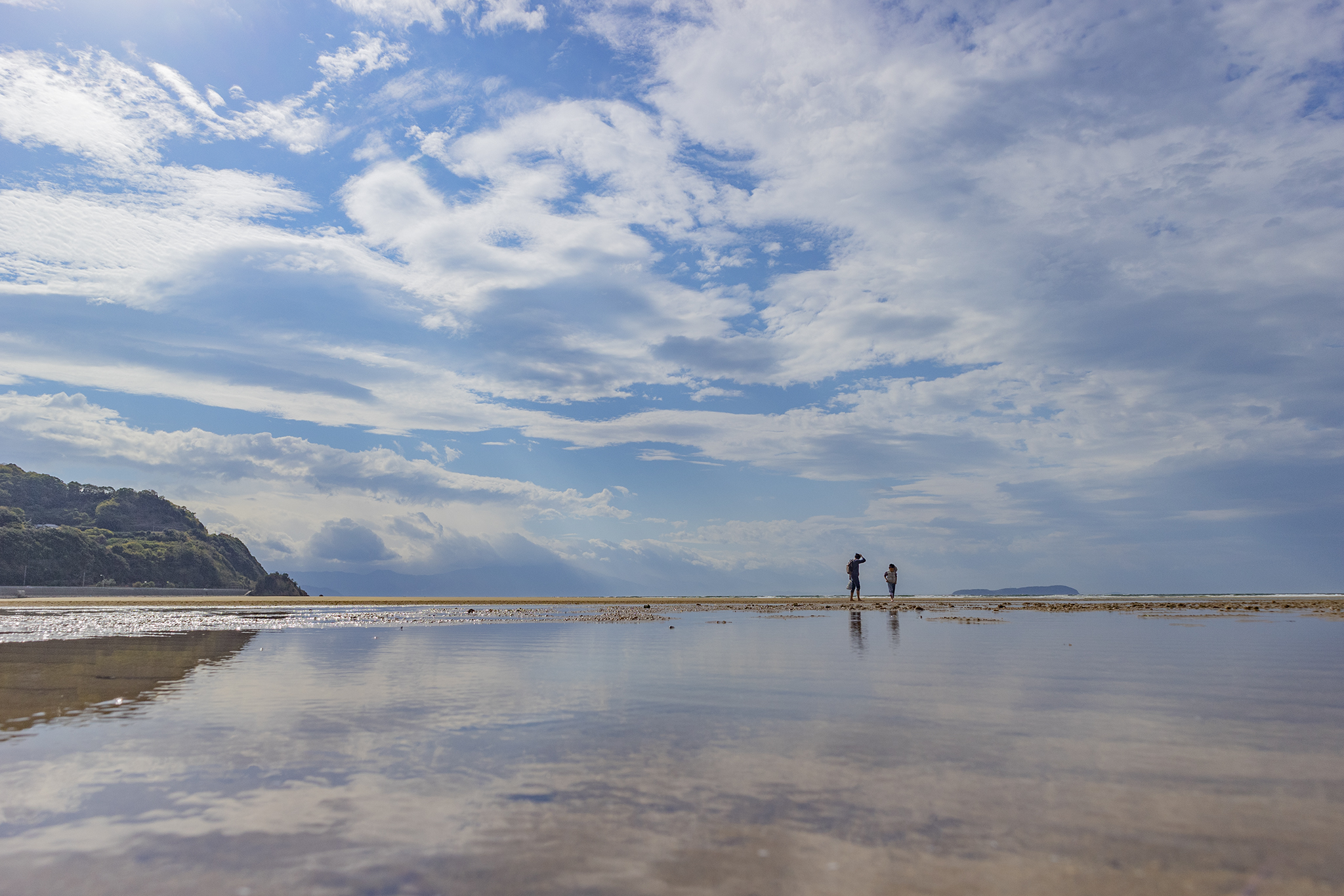 強風曇り月曜日の朝「父母ヶ浜(ちちぶがはま)」に行ってみた。
