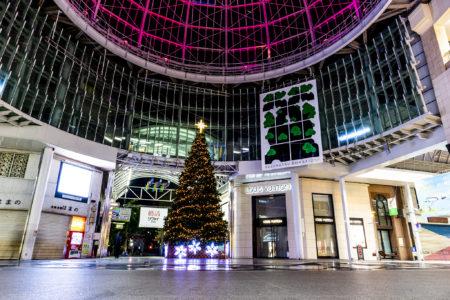 高松中央商店街の巨大クリスマスツリー