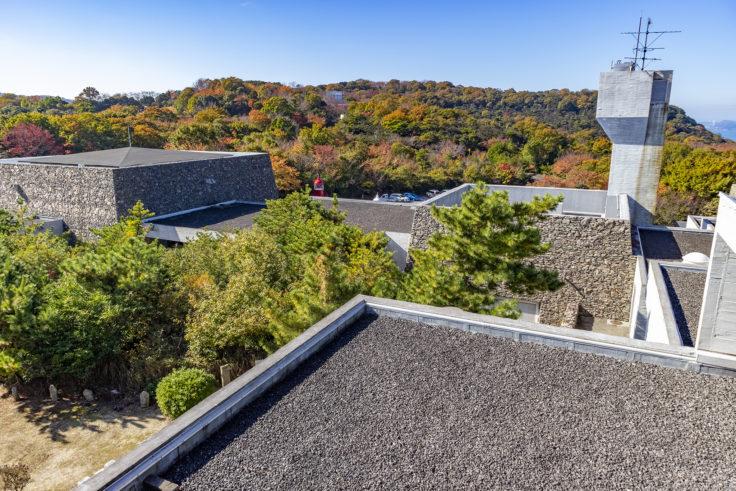 瀬戸内海歴史民俗博物館屋上展望台から見た建築2