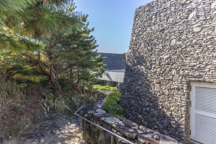 瀬戸内海歴史民俗博物館石垣2