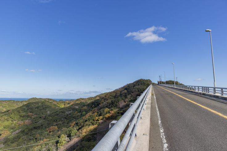 高架橋から見た四方見展望台