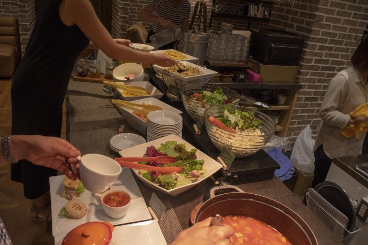 サクラテラス・ザ・アトリエのサラダ