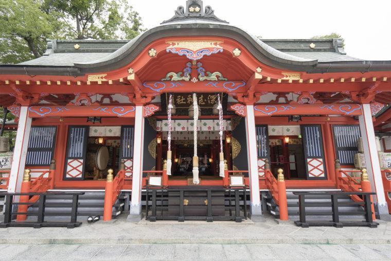 深志神社拝殿