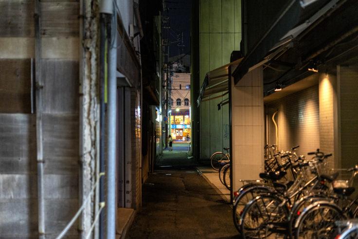 夜の高松市路地裏