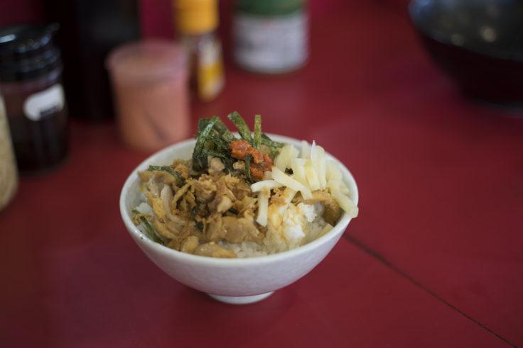 横浜家系ラーメン高松家のかしわ醤油バター丼