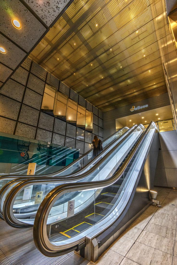 高松ワシントンホテルプラザエスカレーター