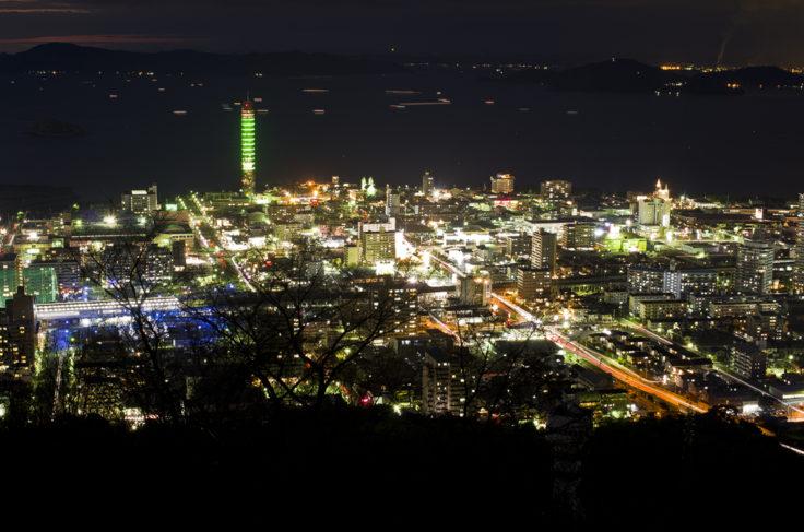 青ノ山からのゴールドタワー