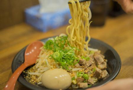 『ごぞうらぁめん鶴市店』は高松市の穴場ラーメン「油そば」「まぜそば」も秀逸!