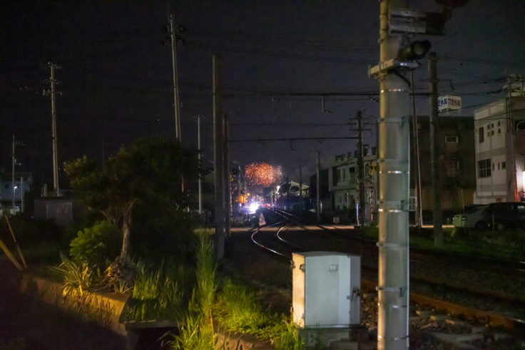 八栗駅から見た花火2